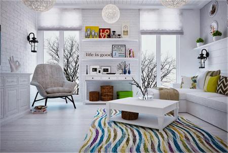 Плетеные корзины в гостиной скандинавского стиля