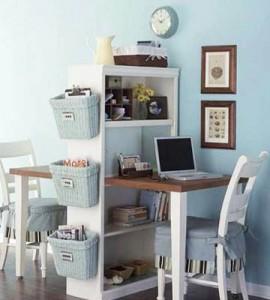 Компактный стол-стеллаж для двух детей