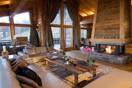 Дизайн интерьера гостиной в стиле шале