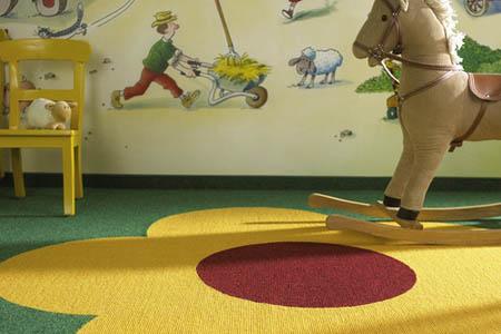 Цветной ковролин для детской комнаты