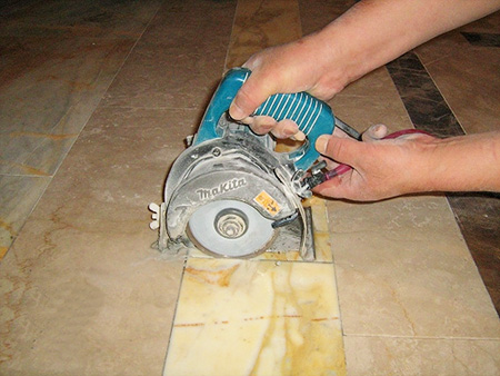 Cleaning the marble floor seam