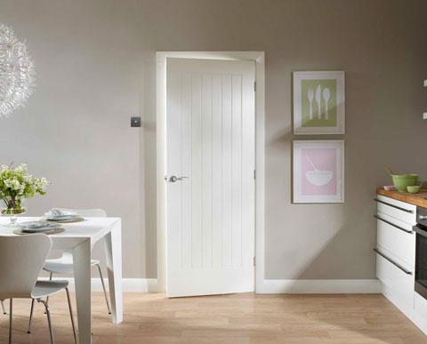 Двери межкомнатные белого цвета