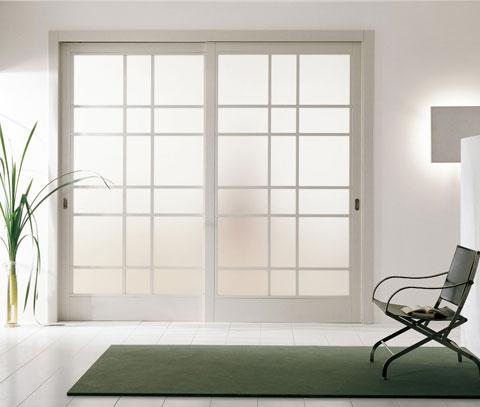 Белые раздвижные межкомнатные двери