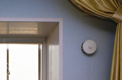 Приточный вентиляционный клапан в квартире