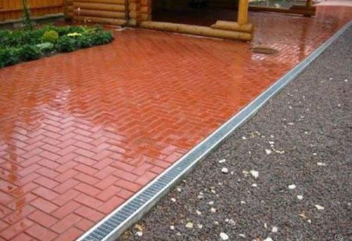 Вибролитая тротуарная плитка для загородного дома