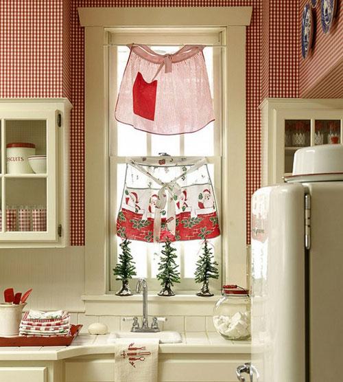 Использование фартука на окне кухни