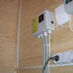Особенности и правила монтажа открытой электропроводки