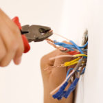Как соединить электрические провода?