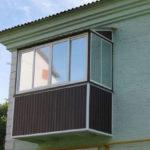 Тонировка балконов: спасаемся от летнего зноя