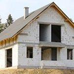 Преимущества и недостатки домов из пеноблоков в индивидуальном строительстве