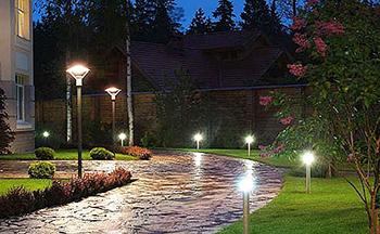Уличное освещение частного дома