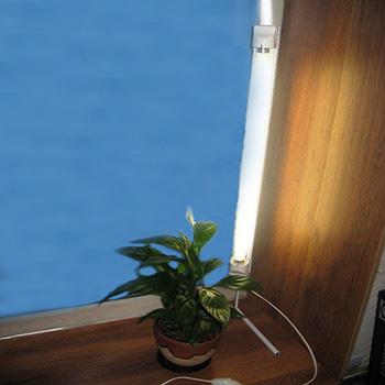 Вертикально установленная лампа