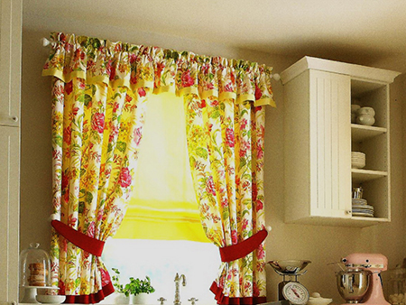 Солнечные шторы на кухню