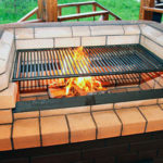 Как построить печь для барбекю из кирпича своими руками