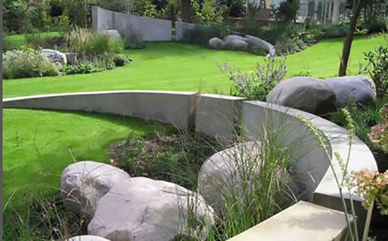 Подпорные стенки из бетона в саду