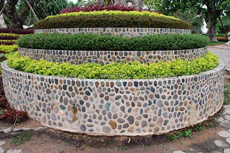 Облицовка подпорной стенки из бетона