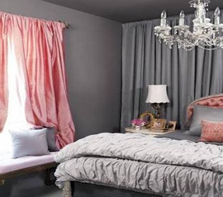 Сочетание розового со стальным серым в спальне