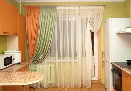Прямые длинные шторы с подхватами