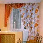 Какие шторы подойдут для кухни с балконной дверью: идеи и варианты