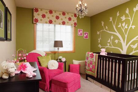 Сочетание розового с оливковым в спальне