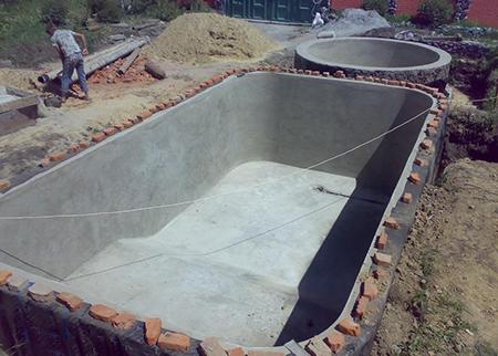 Готовая чаша бассейна из бетона