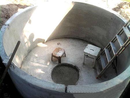 Бассейн из бетонного кольца