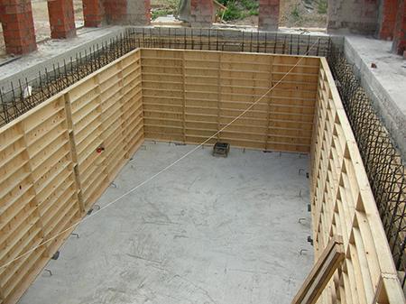 Опалубка для бетонных стен бассейна