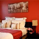Спальня в красных тонах: правильное использование цвета в интерьере