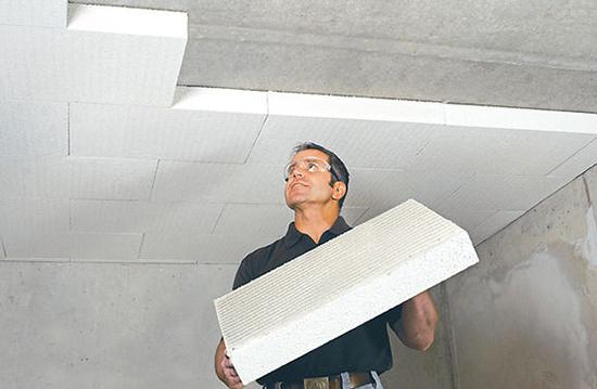 Уплотняем потолок от лишних шумов