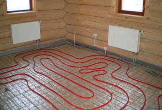 Монтаж теплого водяного пола в деревянном доме