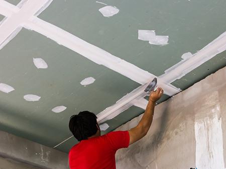 Шпаклевка гипсокартонного потолка перед покраской