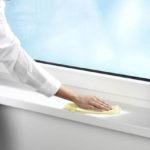 Чем отмыть пластиковые окна и очистить подоконник: эффективные средства