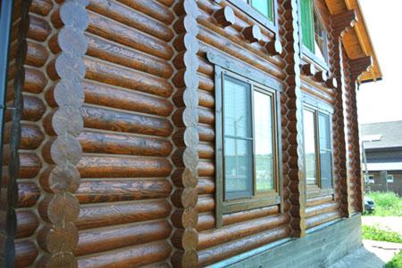 Обработка деревянного дома герметиком